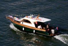 Nave di carnevale con gli aerostati Immagini Stock