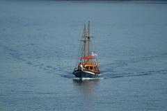 Nave di navigazione greca Immagini Stock