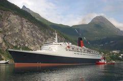 Nave di passeggero in Geirangerfjord Immagini Stock