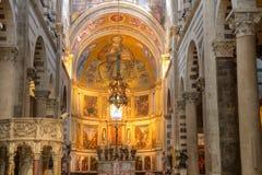 Nave di Romanesque con il mosaico della cattedrale di Pisa Immagini Stock Libere da Diritti