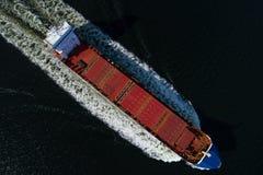 Nave di spavento di navigazione veduta dal cielo Fotografia Stock Libera da Diritti