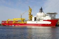 Nave di stenditura di tubo ancorata nel porto di Rotterdam, Paesi Bassi Immagini Stock Libere da Diritti