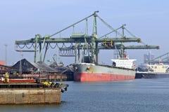 Nave di trasporto del carbone Fotografia Stock