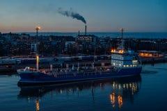 Nave di trasporto del prodotto chimico e del petrolio Lotus fotografia stock libera da diritti