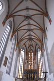 Nave ed altare della cattedrale di Nordlingen in Germania Fotografia Stock Libera da Diritti