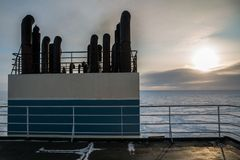 Nave en el hielo del ártico Foto de archivo