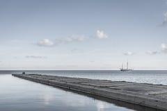 Nave en el mar Fotos de archivo