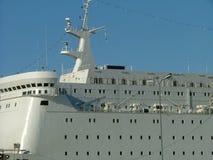 Nave en el puerto fotografía de archivo libre de regalías
