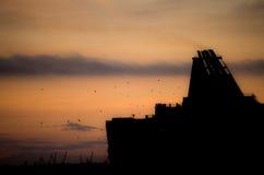 Nave en puesta del sol imágenes de archivo libres de regalías