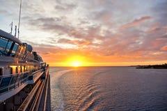 Nave en salida del sol Imagen de archivo libre de regalías