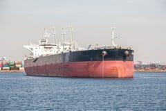 Nave enorme del buque en el puerto de puerto de Los Ángeles en San Pedro Foto de archivo