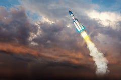 Nave espacial de Rocket no céu elementos da ilustração 3D Imagens de Stock Royalty Free