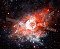 Nave espacial em uma nebulosa imagens de stock royalty free