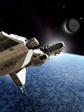 Nave espacial que pasa un planeta del hielo Fotos de archivo