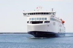 Nave híbrida Berlín del transbordador de Scandlines que llega en Rostock Warnemunde Foto de archivo libre de regalías