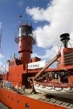 Nave ligera en los muelles de Liverpool Imagenes de archivo