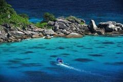 Nave in mare di corallo Fotografia Stock Libera da Diritti