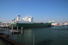 Nave Misana del traghetto fra Rotterdam e Kingston sullo scafo con i camion su nel porto di Europoort fotografia stock libera da diritti