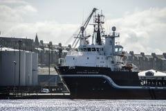 Nave nel porto di Aberdeen La Scozia, UK fotografia stock
