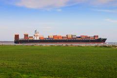 Nave porta-container con carico Fotografie Stock