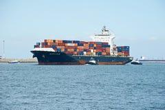 Nave porta-container del carico di Dalian della portata del mare immagine stock