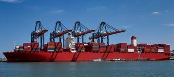 Nave porta-container enorme nel porto di Rotterdam Fotografie Stock Libere da Diritti
