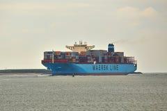 Nave porta-container enorme immagini stock