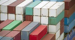 Nave porta-container, pila di contenitori Immagine Stock
