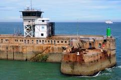 Nave que se acerca al acceso de Dover Fotos de archivo libres de regalías