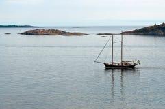 Nave Two-masted in mare Fotografia Stock Libera da Diritti