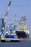 Nave in un porto Fotografia Stock Libera da Diritti