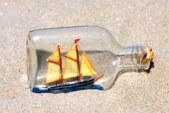 Nave in una bottiglia Fotografia Stock