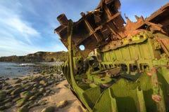 Nave vieja de la ruina que aherrumbra Fotografía de archivo