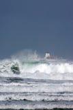 Nave y ondas Fotos de archivo