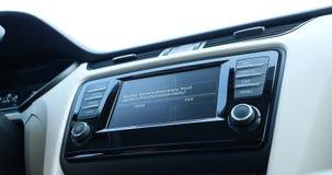 Navegação de GPS para o carro da estação do combustível filme