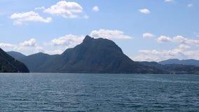 Navegação no lago Lugano no verão, vídeo Cantão de Lugano, Ticino, Suíça filme