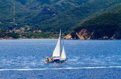 Navegación cerca de la playa Fotografía de archivo