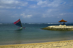 Navegación de Jukung, Bali fotografía de archivo