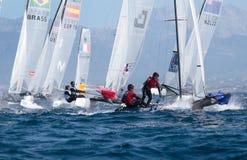 Navegación de la clase de Nacra durante regata en Mallorca de par en par Imagen de archivo libre de regalías