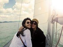 Navegación de la madre y de la hija fotos de archivo
