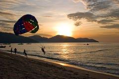 Navegación de para de la puesta del sol Imagen de archivo libre de regalías