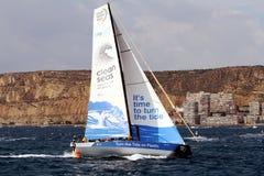 Navegación de Team Clean Seas después de la pierna 1 Alicante-Lisboa del comienzo Imagen de archivo libre de regalías