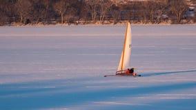 Navegación del barco del hielo en el lago Pepin foto de archivo libre de regalías