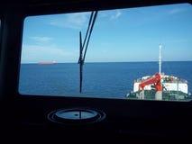 Navegación del buque de petróleo Fotografía de archivo libre de regalías