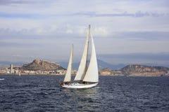Navegación en la bahía de Alicante Fotos de archivo libres de regalías
