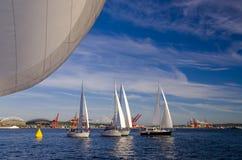 Navegación en la bahía de Elliott fotos de archivo libres de regalías