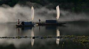 Navegación en puesta del sol Imágenes de archivo libres de regalías