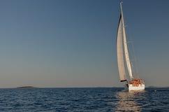 Navegación en un día ventoso Imagen de archivo