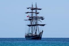 Navegación grande del velero en el mar de Sicilia imagen de archivo libre de regalías