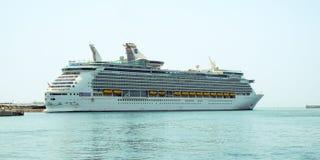 Navegador de Royal Caribbean do navio de cruzeiros dos mares fotografia de stock